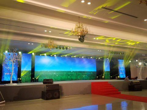 Màn hình LED là gì và vai trò của thiết bị này trong tổ chức sự kiện