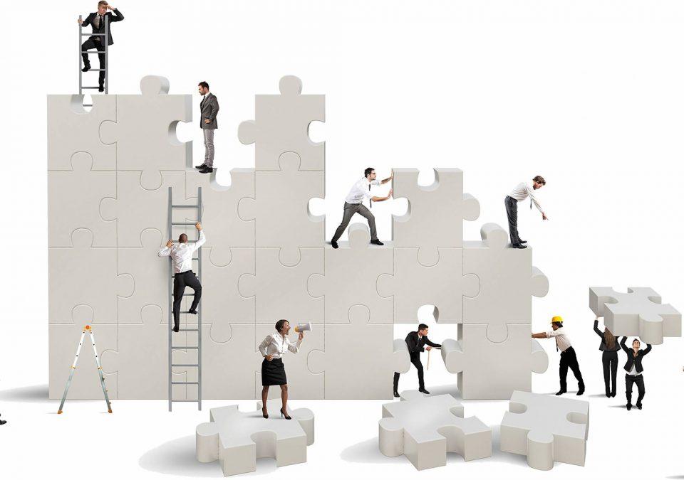 Team building là gì? Tại sao doanh nghiệp nên tổ chức hoạt động team building?