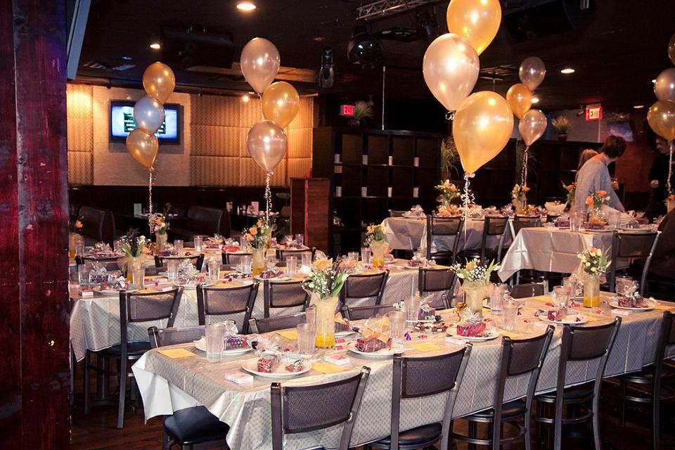 Cách chọn bàn ghế tổ chức sự kiện tạo sự thoải mái cho khách hàng