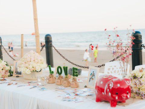 Hướng dẫn quý khách cách tổ chức tiệc cưới lãng mạn, ấm cúng