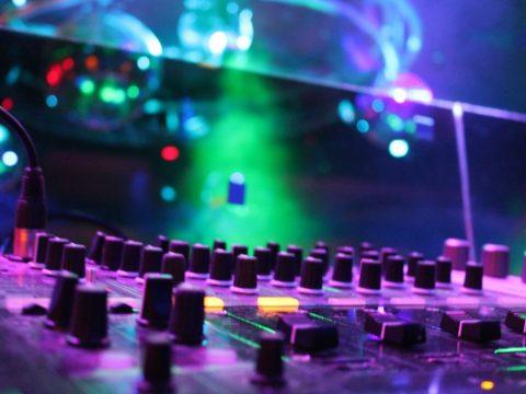 Cho thuê thiết bị âm thanh ánh sáng TPHCM chất lượng và giá cả tốt nhất