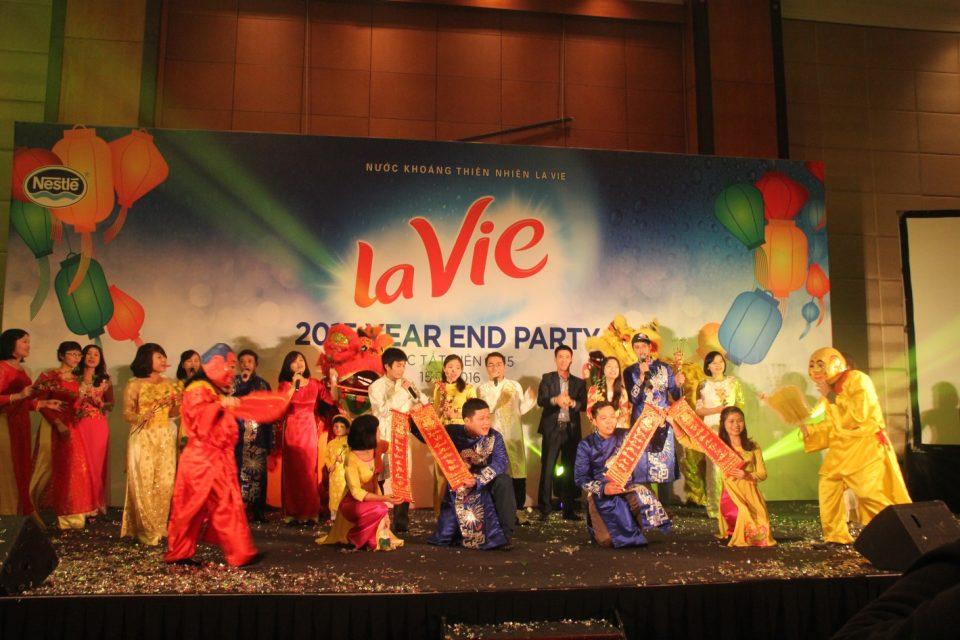 Tổ chức tiệc tất niên Bình Dương tưng bừng hoành tráng giá tốt