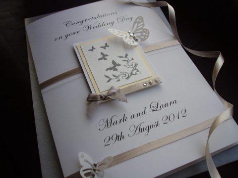 Những thông tin và cách lựa chọn thiệp mời đám cưới thích hợp nhất