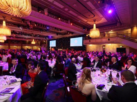 Gala Dinner là gì? Quy trình tổ chức đêm Gala thành công
