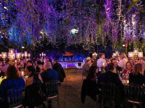 Kịch bản Gala Dinner vui nhộn lưu giữ những khoảnh khắc vui vẻ