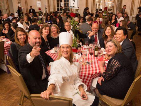 Những lưu ý khi tổ chức Gala Dinner 2021 cho nhân viên