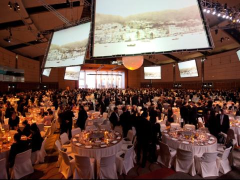 Hướng dẫn tổ chức Gala Dinner cuối năm hoành tráng cho doanh nghiệp