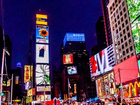 Màn hình LED quảng cáo và những ưu điểm nổi trội
