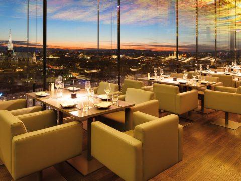 Top 4 nhà hàng đặt tiệc tất niên ở TPHCM gần gũi với mọi người