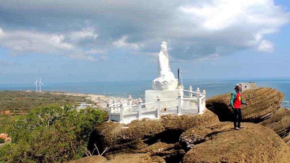 chùa linh sơn núi cao cát phú quý