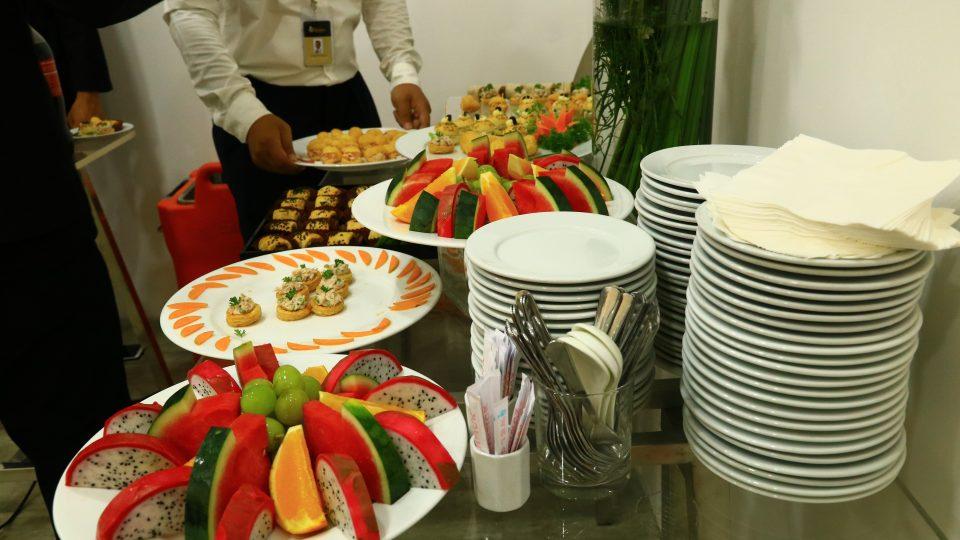 Những điều cần lưu ý khi lựa chọn dịch vụ tổ chức tiệc Teabreak cho sự kiện