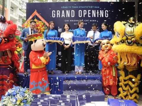 Sắc trời trong xanh chào mừng Lễ khai trương HTAUTO Việt Nam tại Hồ Chí Minh