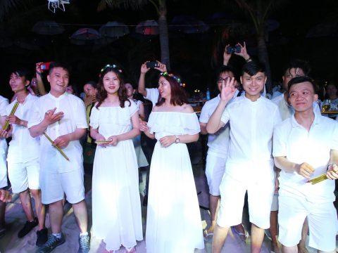 Gala Dinner mặc gì – Các mẫu trang phục phổ biến khi dự tiệc