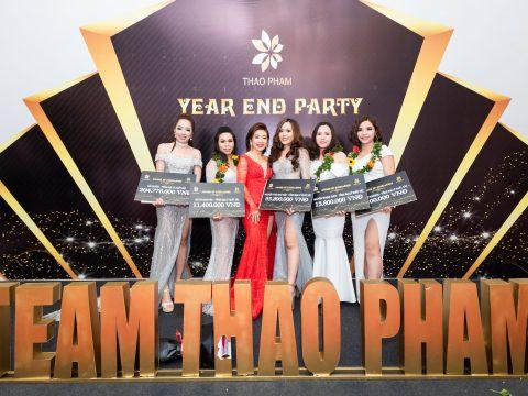 Hướng dẫn lựa chọn thời trang dự tiệc cuối năm ấn tượng, phù hợp