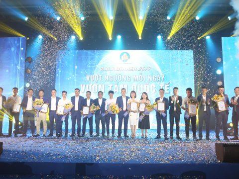 Hòa cùng đêm tiệc Gala Dinner hoành tráng và đầy cảm xúc của Sài Gòn Center Real